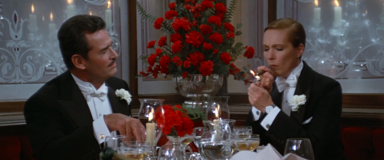 Victor/Victoria Movie Review